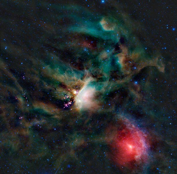 La Nube de Rho Ophiuchus entre las constelaciones de Ophiuchus y Escorpión, y a 3° al norte de Antares   Rho Ophiuchus cloud complex between the constelations of Ophiuchus and Scorpio, and 3° North of Antares